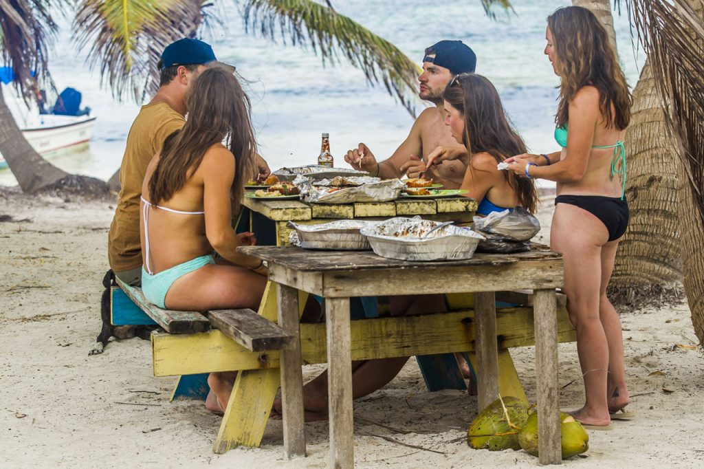 new_Belize-Guide-catch-day-fish-bbq
