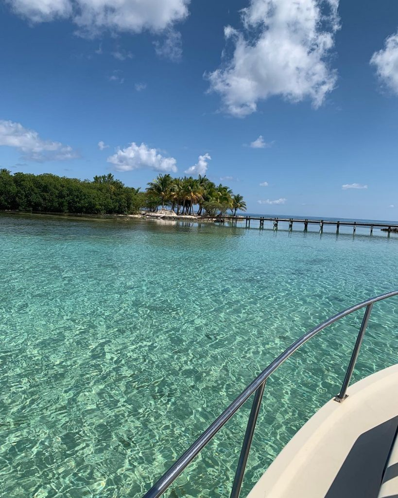 Belize-Guide-Co-calm-waters-cove